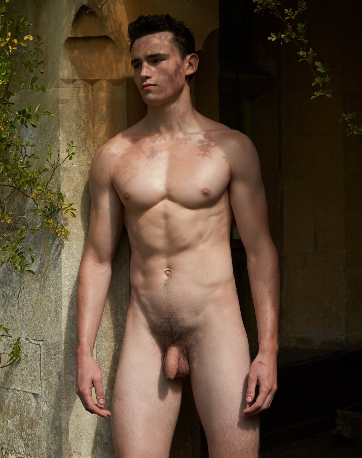 Nude sexy muscle boy
